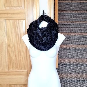 5/$25 Faux Fur Infinity Scarf